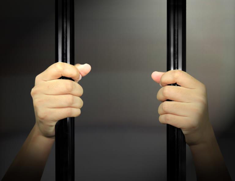 示談が刑罰に与える影響は?窃盗・交通事故・轢き逃げ…事件別の刑罰は?