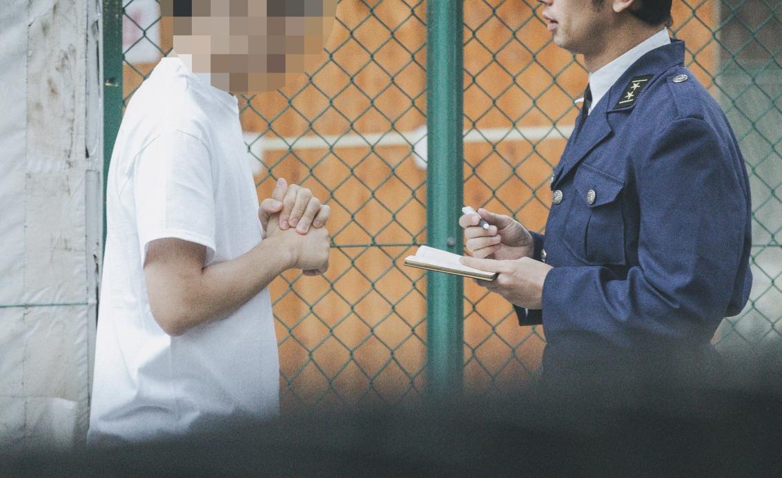 【逮捕と指紋】指紋一致で逮捕される?財布の盗難や空き巣など窃盗を例に