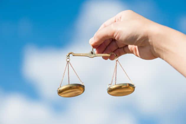 刑事事件の判例とは? 裁判の判例検索の仕方は?名誉棄損の判例はある?