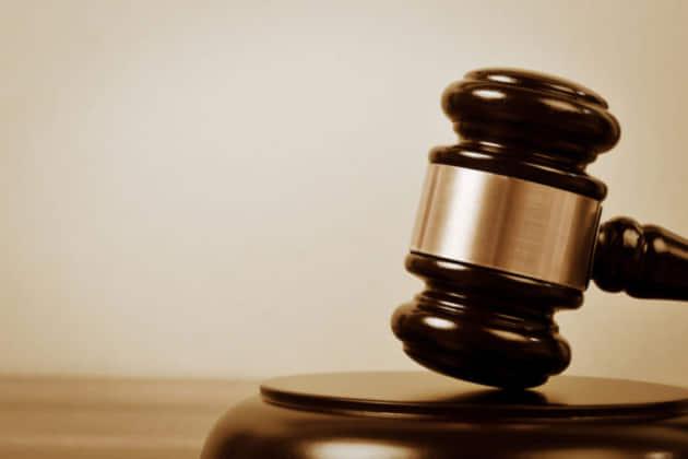 【強制わいせつ】強制わいせつ事件の裁判とは|傍聴できる?どんな判決になる?裁判費用はかかる?
