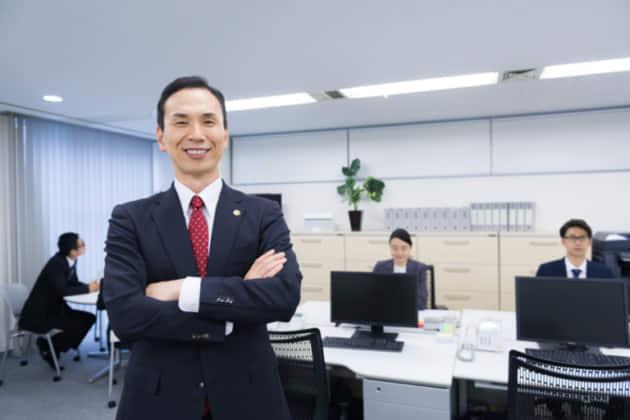 当番弁護士の呼び方を解説|当番弁護士の制度概要・連絡先・費用も紹介