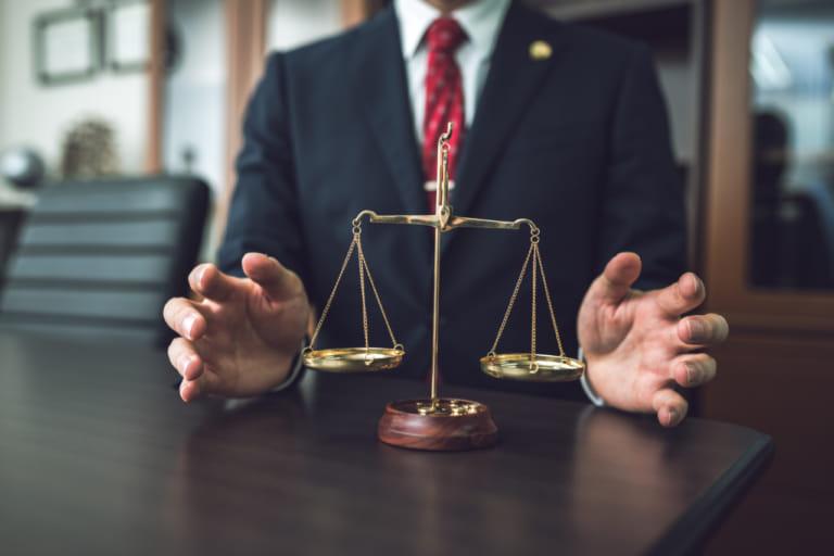 【完全版】刑事事件の裁判の流れ|裁判の費用は?裁判の記録は閲覧できる?