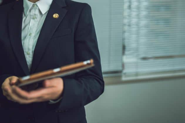 【無料相談】万引き事件を弁護士事務所に相談したい。費用の相場や払えない場合は?