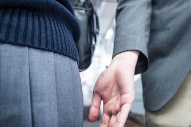 痴漢で未成年が逮捕されるとどんな処分・処罰を受ける?家庭裁判所行き?